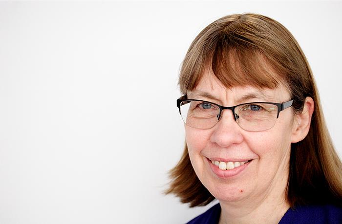 Dr Gillian Davis